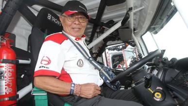 Creed y Sugawara, al Dakar con 18 y 74 años