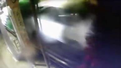 Un hombre de 94 años destroza este túnel de lavado