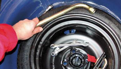 ¿Por qué los fabricantes no quieren usar rueda de repuesto?