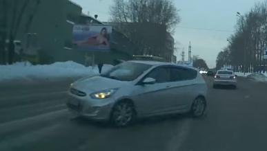 ¡Tremenda librada de un Hyundai en Rusia!