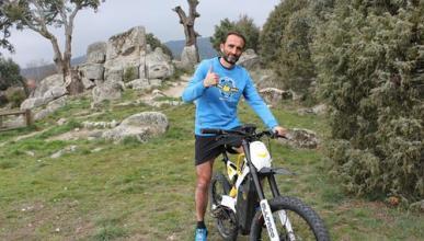 Bultaco muestra su lado solidario con los refugiados