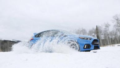 Ford Focus RS 2016 con Winter Pack tres cuartos