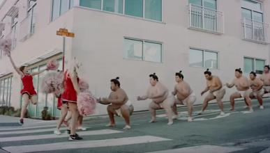 Un grupo de sumo explica el Toyota Safety Sense
