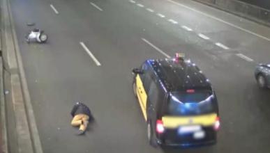 Multado un taxista por no ayudar a un motorista accidentado