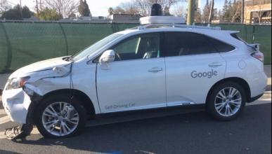 Vídeo: el coche de Google choca contra un autobús