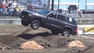 Así pasa este Dodge Durango por un circuito off road