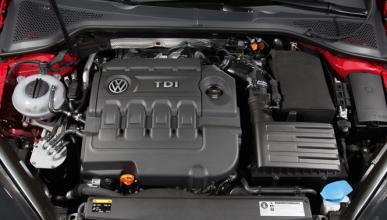 VW llama a revisión al Passat por un problema eléctrico