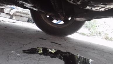 ¿Por qué pierde aceite un coche?