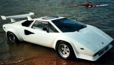 Lamborghini Countach anfibio lateral