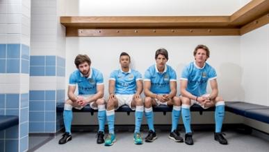 Jugadores del Manchester City se convierten en pilotos de la mano de Nissan
