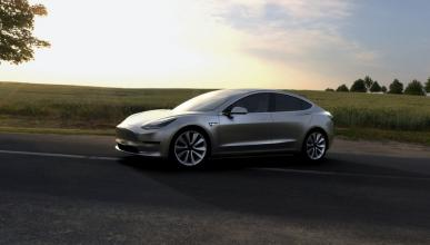 Fiat Chrysler podría copiar el Tesla Model 3 si es rentable