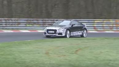 El Audi TT RS 2016 pierde camuflaje en Nürburgring