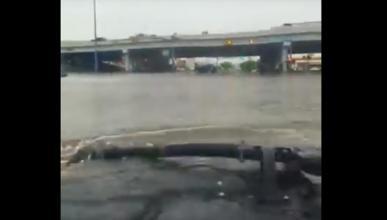Este Hummer H1 no teme a las inundaciones