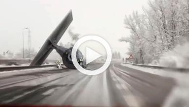 Un caza Tie de Star Wars se 'estrella' en autovía alemana