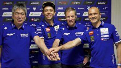 Valentino Rossi renueva con Yamaha hasta 2018