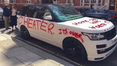 Un Rage Rover sufre la ira de una mujer despechada