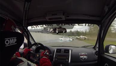 Espectacular accidente de varios Nissan Micra en carrera
