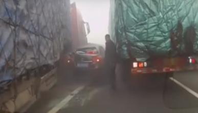 Vídeo: este conductor sale ileso de un brutal accidente