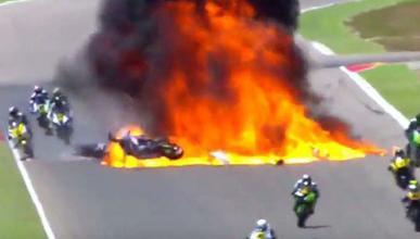 Vídeo: brutal explosión de un depósito de moto en Motorland