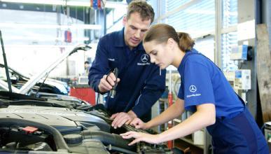 Los mejores trucos sobre como limpiar el motor de un coche