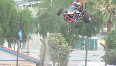 Vídeo: vuela por encima de una valla de más 6 metros