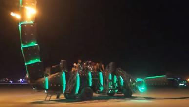 A la venta este camión escorpión del Burning Man