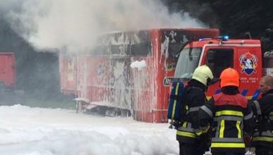 El camión del AGR Team se incendia camino de Assen