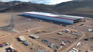 Tesla regala 'tickets de oro' para visitar la GigaFactoria