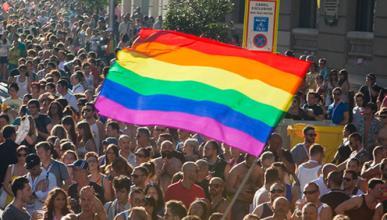 Polémica por pintar pasos de cebra 'gays'