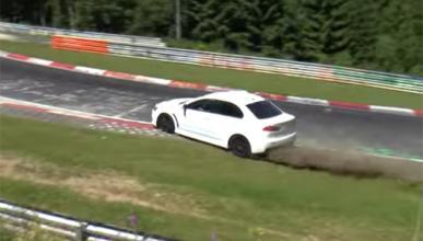 Un Mitsubishi Evo X se la pega en Nürburgring