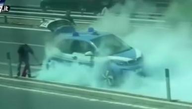 Vídeo: el BMW i3 de la Policía de Roma, en llamas