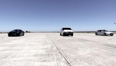 Drag Race a tres: un Clase V se come un Ferrari y un Tesla