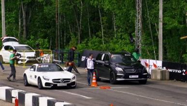 Drag race: El Mercedes AMG GT S se enfrenta a la familia