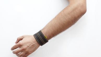 WOOLF: la pulsera que detecta radares y te avisa