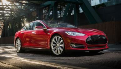Tres meses de lista de espera en los talleres de Tesla