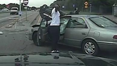 Vídeo: coche de Policía sufre accidente en una persecución