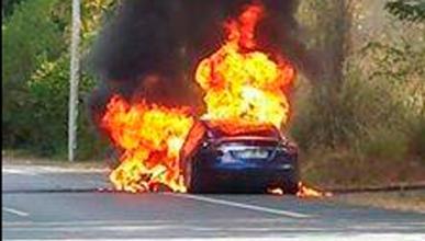 Diagnóstico: el Tesla Model S ardió por un cortocircuito