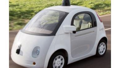 Google ficha a un director de Airbnb para su coche autónomo
