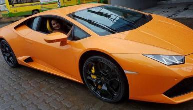 Vídeo: le regala un Lamborghini Huracán y lo empotra