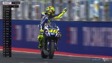 Pique entre Rossi y Aleix con peineta del italiano incluida
