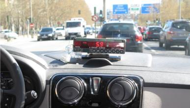 Los taxis pirata 'vuelan' de Barajas
