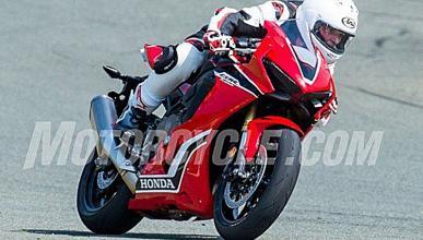 Honda-CBR-1000-RR-2017-1