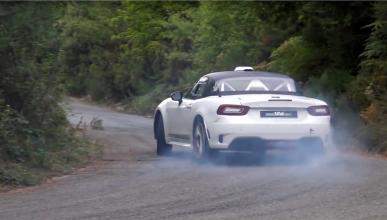 Así se mueve el Abarth 124 R-GT: ¡de lado!