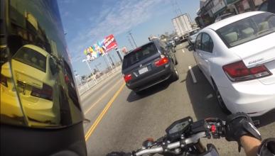 Vídeo: motorista se vuelve loco por no poder zigzaguear