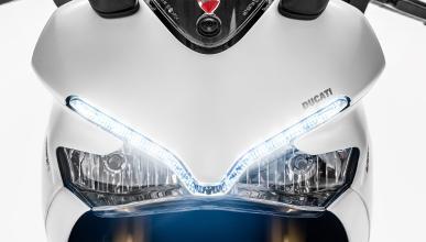 Ducati-SuperSport-2017-1