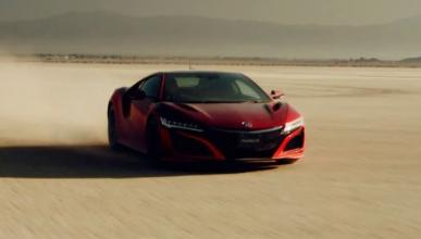 Vídeo: así dibuja el Honda NSX sobre la tierra