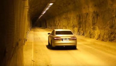 Así suena un Audi S8 Plus a fondo en un túnel