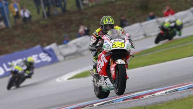 Libres MotoGP Australia 2016: Crutchlow y la lluvia dominan