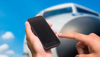 ¿Son tan peligrosos los móviles en los aviones?