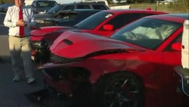 Estrellan tres Dodge SRT Hellcat poco después de robarlos